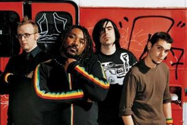 Skindred (GB).