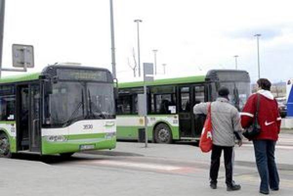 Autobusy MHD. Od septembra budú linky posilnené.