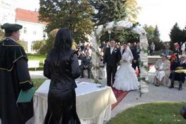 Netradičná svadba. Manželia Ďurkovičovci budú spomínať na magický dátum i miesto.