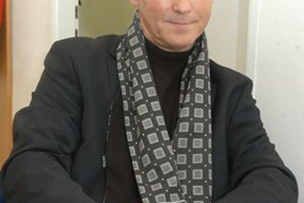 Eduard Buraš. Dlhoročný člen SDKÚ už kope za Most - Híd.