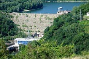 Na Ružíne opravujú priehradné objekty oboch nádrží.