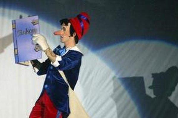 Pinocchio. Najznámejší drevený panáčik bude korčuľovať v Košiciach.