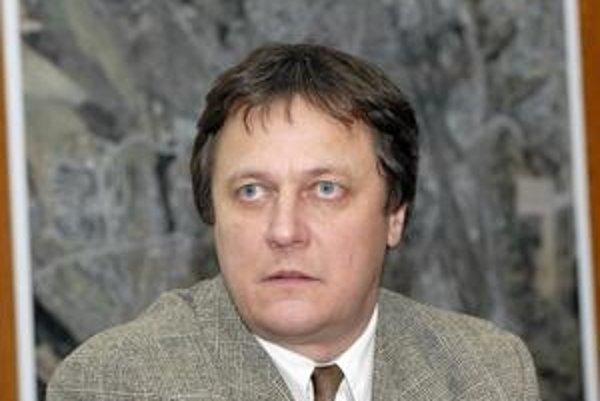 Bezradný splnomocnenec Miroslav Pollák zatiaľ nevie, čo s Lunikom IX ďalej. Nepredstavil ani čiastkové projekty.