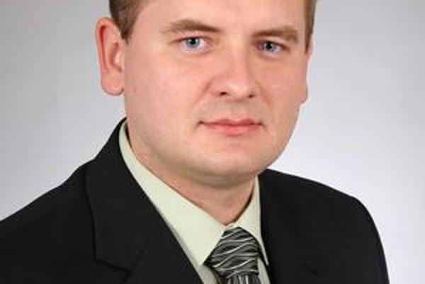 Vladimír Saxa. Krásňania si opäť zvolili starostu z KDH.
