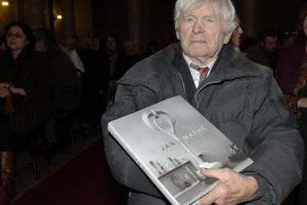 Majster Ján Mathé. Svojej monografie sa dočkal dva roky pred deväťdesiatkou.