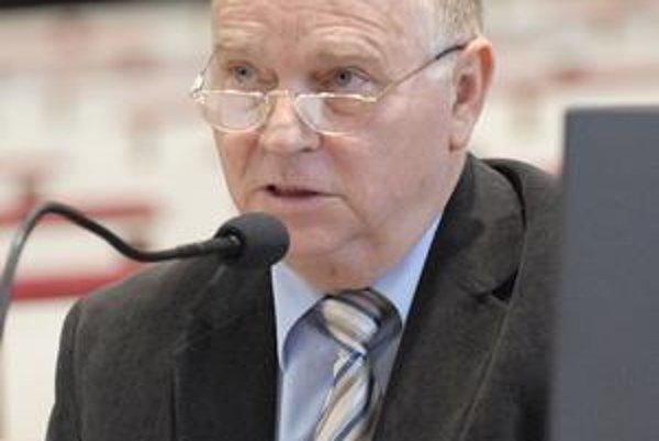 Poslanec Süli. Šéf opozičného klubu chváli rozpočtové škrty na Úrade KSK, no mali by byť ešte výraznejšie.