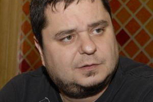 Spevák Mário (Kuly) Kollár.