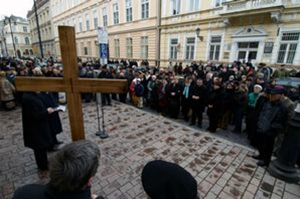 Ekumenický pašiový sprievod sa stal v Košiciach už tradíciou.