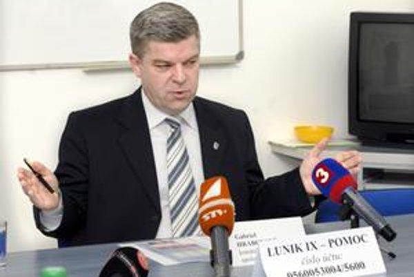 Gabriel Hrabovský situáciu označil za neúnosnú.