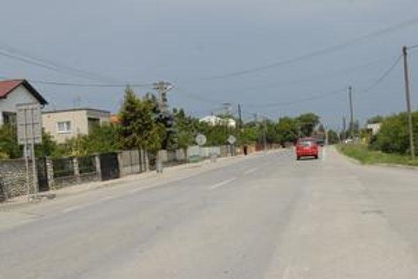 Obchvaty Sene a Kechneca. Rýchlocesta obíde obe obce, skončí sa na hraničnom priechode.
