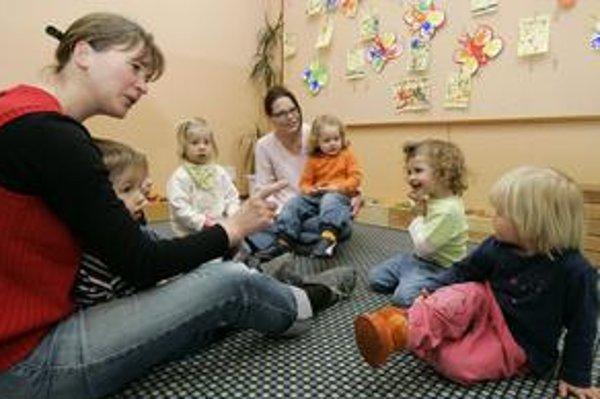 Deti by sa už aj v škôlke mali trochu vzdelávať.