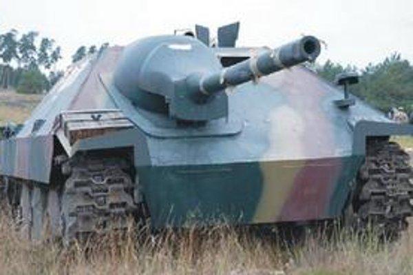Na rekonštrukcii sa zúčastní aj tento stíhač tankov Hetzer.