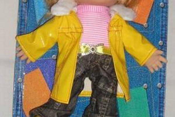 Jedna z nebezpečných bábik. Obsahuje príliš veľa ftalátov.