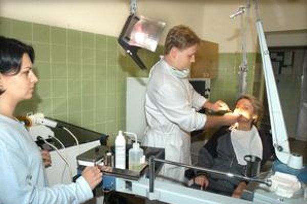 Kvôli prístrojovému vybaveniu si u niektorých stomatológov za výkony priplatíte.