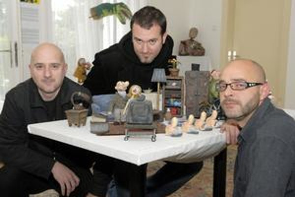 Veční chlapci. V okolí Michala Žabku, Jana Bubeníčka a Nora Držiaka to neustále vyzerá ako v hračkárstve.