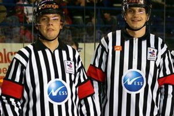 P. Ország (vľavo) si spolu s V. Baluškom zapískali v severskom derby Nórsko - Fínsko