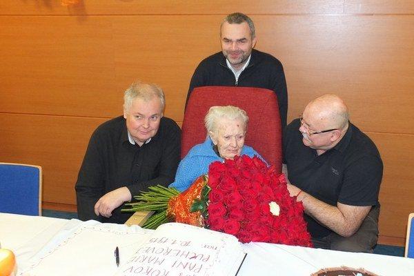 Mária Pucherová. Oslávila 101. narodeniny s rodinou aj priateľmi z Náruče.