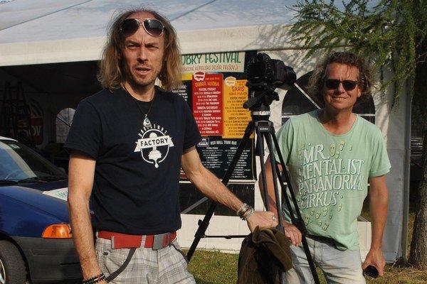 Filmári R. Kočan (vľavo) a J. Stračina.