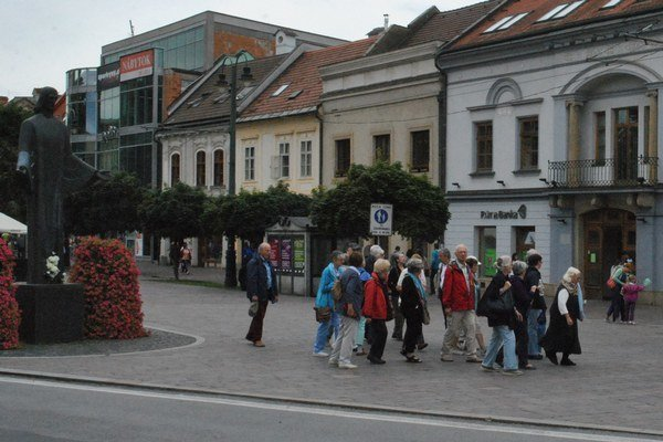 Zahraniční turisti sa zaujímajú hlavne o historické centrum.