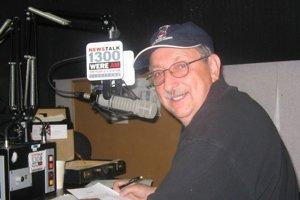 Milan Kobulský vedie slovenské rádio v Clevelande.