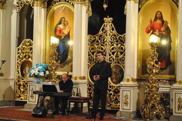 Ján Babjak. Sólista zaspieval aj Ave Máriu.