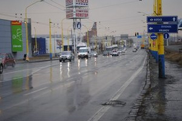 Výpadovka na Košice. Plynulý prechod diaľnicou je zatiaľ ďaleko.