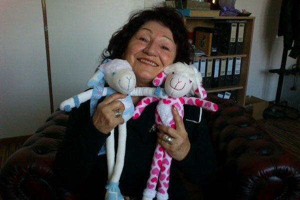 Tatjana Miluševová-Ivančovová vyrába veľkonočné dekorácie z textilu.