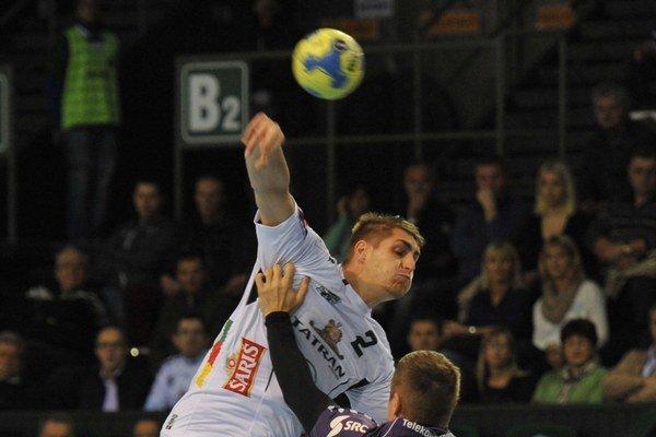 Rábek v akcii. V zápase s HBW Balingen dal päť gólov.