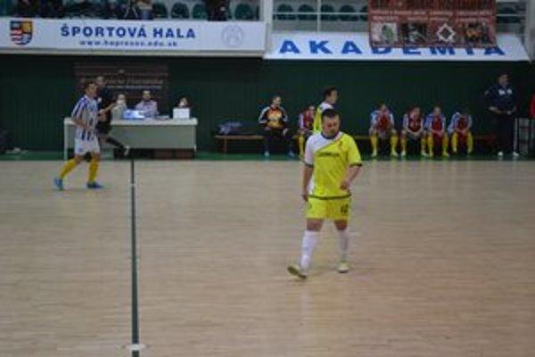 Oslabený tím. V Bratislave chýbalo viac hráčov, medzi nimi aj Harčár.