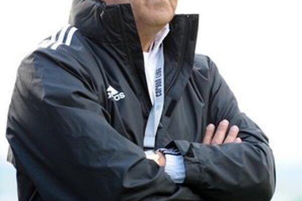 Posledná bitka. I tréner Jozef Bubenko dúfa, že pre Tatran dopadne úspešne.
