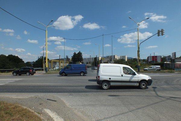 Šváby. Doprava na Švábskej ulici ešte nie je obmedzená.