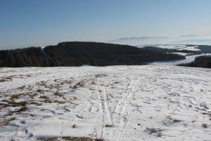 Vrch Mindžová v hrebeni Bachurne, v jej úbočí je aj turistická útulňa.