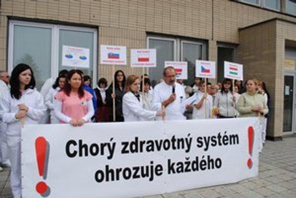 Protest. Upozornili na dôvody, prečo je zdravotný systém chorý.