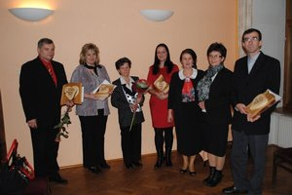 Ocenení laureáti na spoločnej fotografii.
