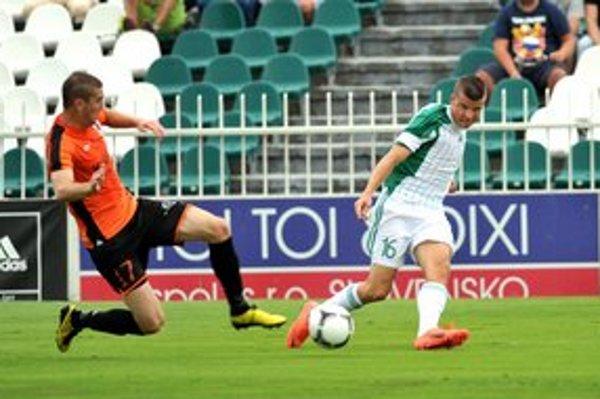 Matúš Marcin (vpravo). Futbalista Tatrana Prešov sa ocitol tiež v menoslove ašpirujúcom na zaradenie medzi najúspešnejších športovcov PSK za rok 2012.