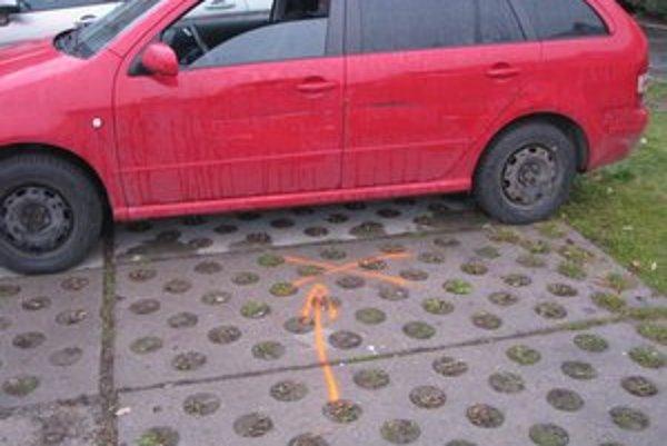Nehody na parkoviskách. V predvianočnom zhone je ich viac ako v ostatné dni v roku.