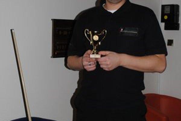 Pavol Křemen. Vyhral turnaj i celú sériu.