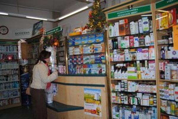 Lekárne. Ani jedna v centre Prešova zatiaľ neponúka zľavy z doplatkov.