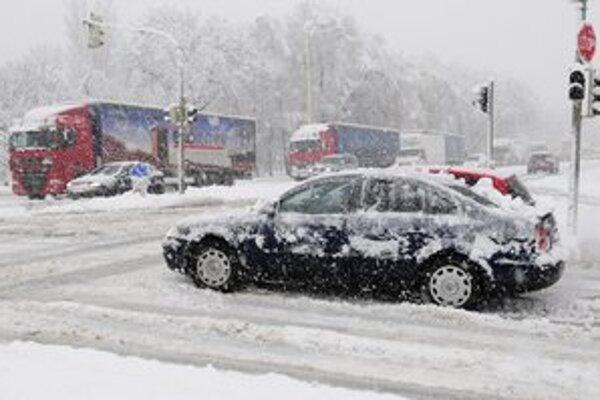 Aj mesto Prešov dostalo poriadnu snehovú nádielku.