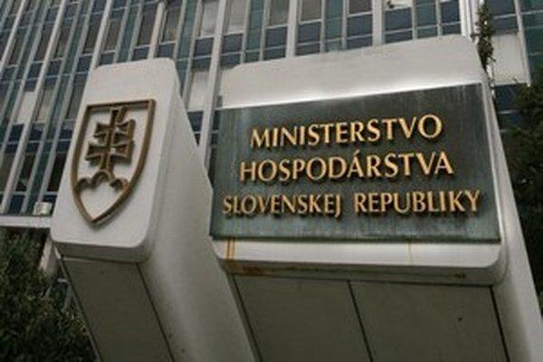 Agentúry pod ministerstvom hospodárstva mávajú problémy s peniazmi.