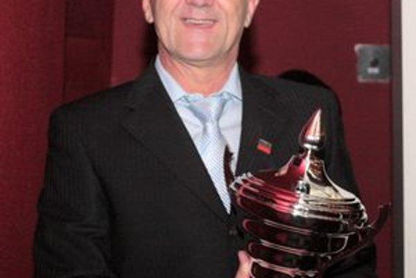 Igor Drotár s ocenením.