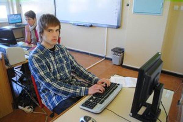 Tomáš Motýľ postúpil na MS v písaní na počítači.