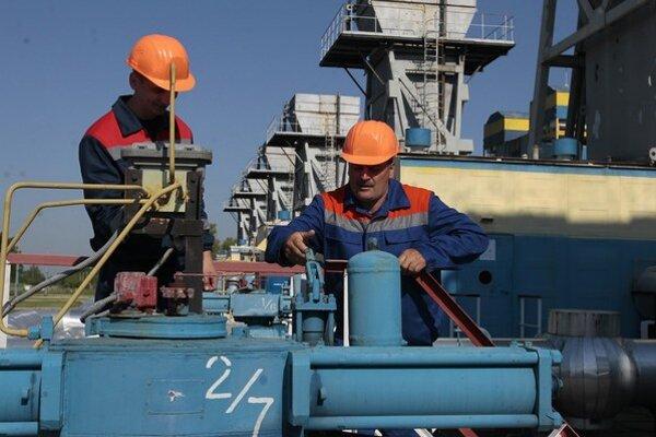 Z Ruska na Ukrajinu stále prúdi iba plyn určený na tranzit ďalej do západnej Európy.