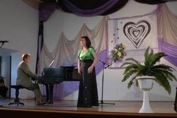 Katarína Cvancigerová. Spieva s láskou a pre ľudí.