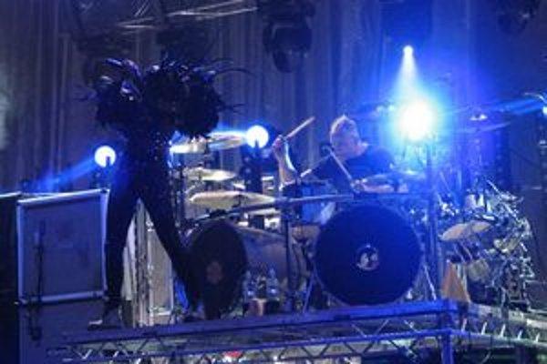 Skunk Anansie strhli fanúšikov nevídaným množstvom energie na pódiu.
