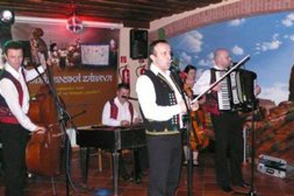 Hudobná skupina Kandráčovci. Ich vystúpenia sú vždy príjemným zážitkom.
