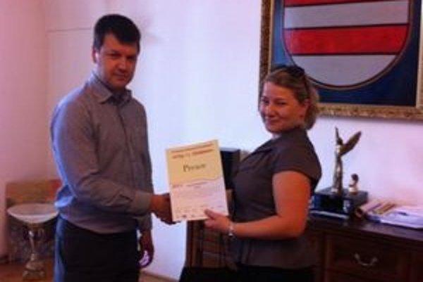 Seriál Ovce.sk. Ocenenie odovzdali aj partnerom na prešovskej radnici.