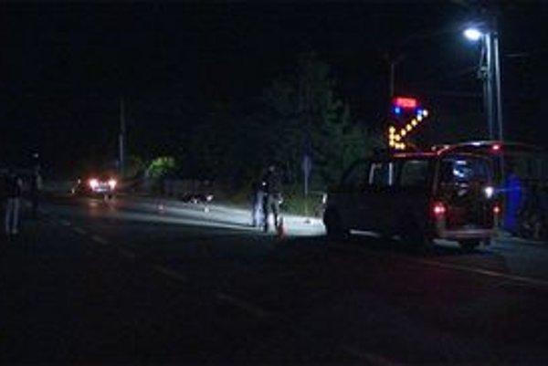 Smrteľná nehoda. Pod kolesami auta zahynul 60-ročný muž z Tulčíka.