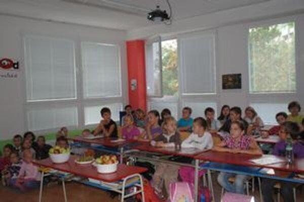 Deti zo ZŠ Šmeralova. Môžu sa zapojiť do štyridsiatich akcií, aby spoznali svoje mesto.