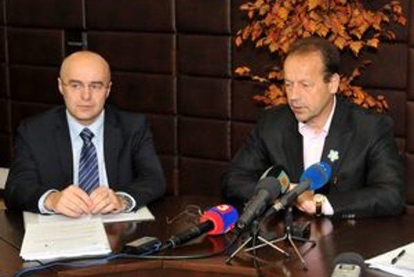 Primátor Prešova Pavel Hagyari (vpravo) a nový prednosta Branko Benko.